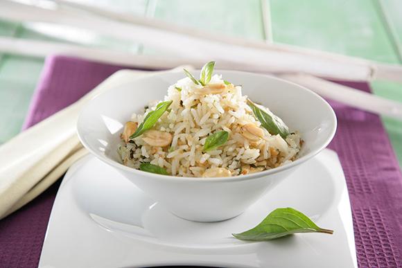 Receta de Arroz thai con cacahuetes, lemongrass y albahaca