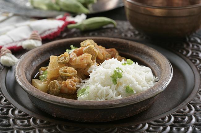 Receta de Okras con nabos, langostinos y arroz