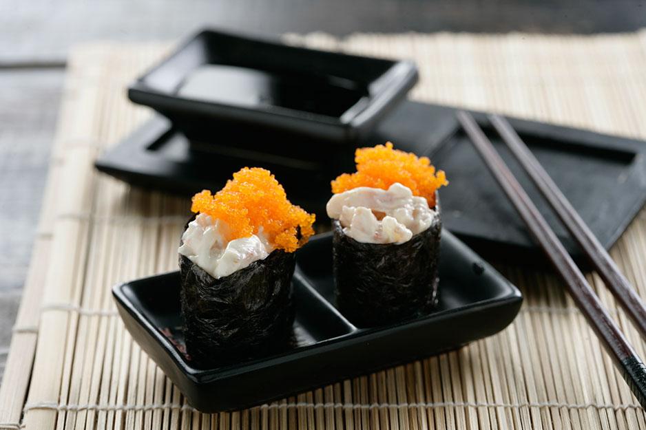 Receta de Gunkan sushi de gambas y huevas tobiko