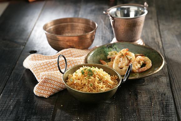 arroz basmati al curry rojo con gambas a la miel