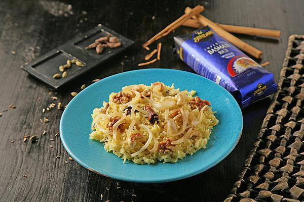 Receta de Pulao Kashmiri, una guarnición fácil de arroz basmati