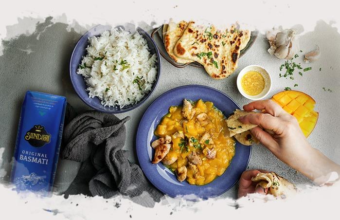 bodegón con la receta de arroz basmati con pollo y chutney